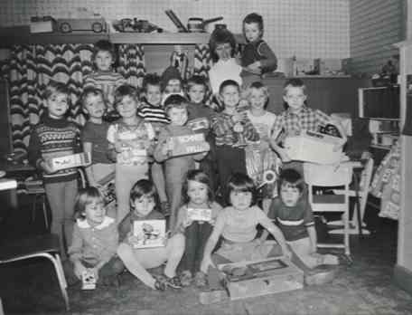 http://hanszoschke1981.com/images/album1/Images/kindergarten.jpg